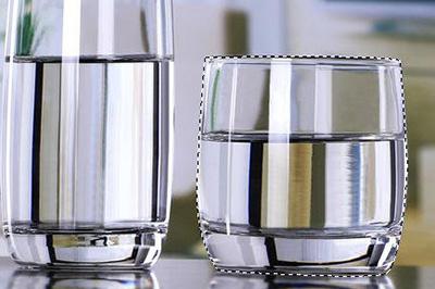 PS透明杯子抠图技巧 简单几步即可轻松抠出
